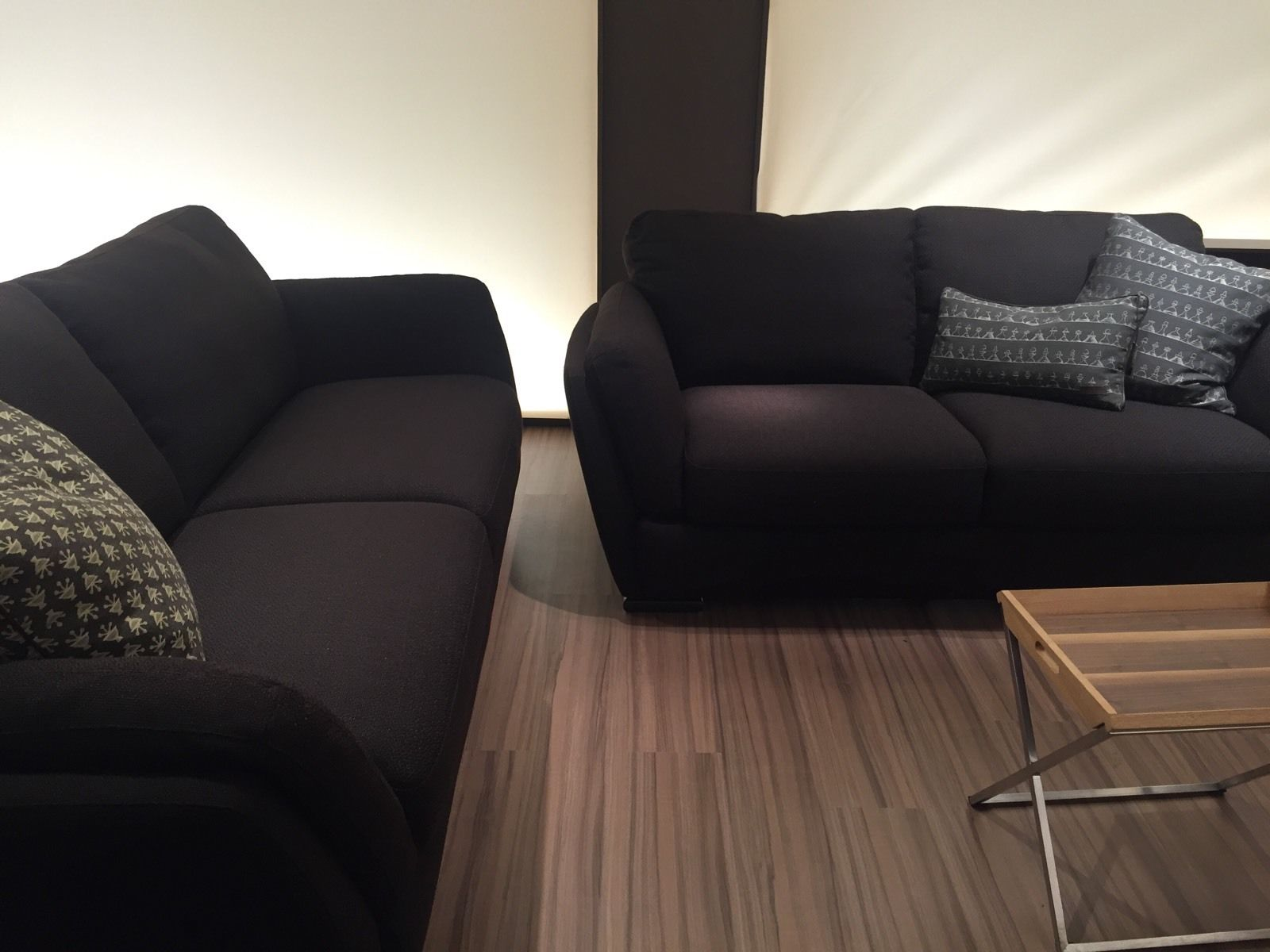 Natuzzi editions havanna 3 2 quality brown fabric sofas for Sofas natuzzi outlet madrid