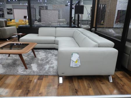 Natuzzi Editions Artisan/Pensiero Power Reclining Corner Sofa
