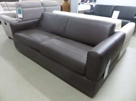 ROSSANA MANUFACTURED BY NATUZZI ITALIAN LEATHER SOFA BED   BROWN