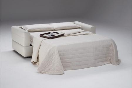ROSSANA MANUFACTURED BY NATUZZI ITALIAN LEATHER SOFA BED   WHITE