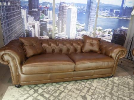 Mizzoni Italia Full Leather Beautiful Chesterfield 3 & 2 Seater Sofas