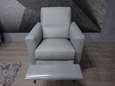 Natuzzi Private label Trentino leather corner & power recliner chair