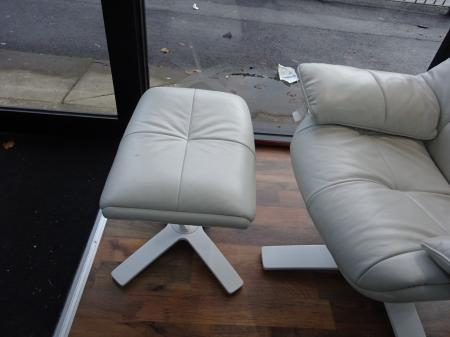 Natuzzi Italia Re-vive Quilted white leather recliner chair