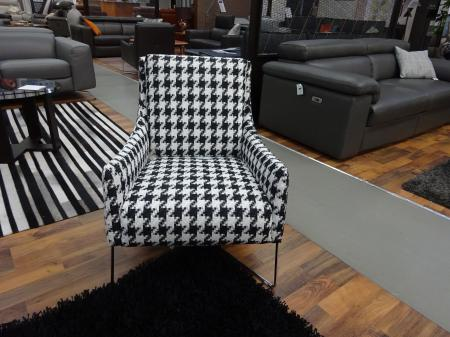 Natuzzi Italia Agra chair in beautiful fabric