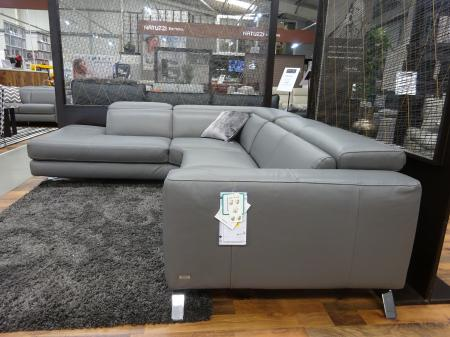 Natuzzi Pensiero Power reclining soft Italian leather corner sofa