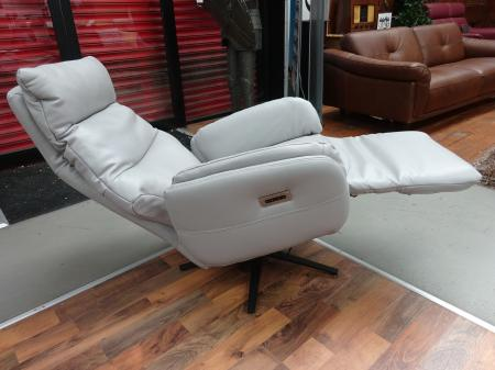 Volante Triplo 5 Action Power & Battery Reclining Swivel Chair