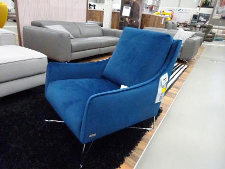 Natuzzi Calabria/Regina Occasional chair in beautiful blue Velvet