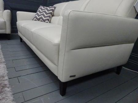 Natuzzi C132 Calore soft leather 3 & 2 seater in Ivory