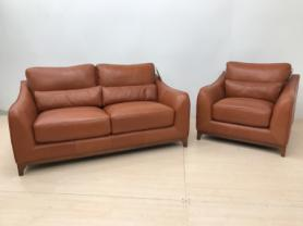 MIZZONI ITALIA LARGE HIGH GRADE LEATHER 2 SEATER & CHAIR