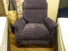 Mizzoni Italia Power Lift & Rise chair in lovely fabric