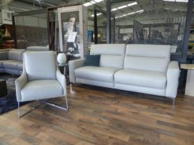 NATUZZI PELLE LEATHER 3 SEAT POWER & MATCHING FEATURE AGRA CHAIR