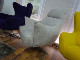 Natuzzi Calma Swivel chair in beautiful fabric