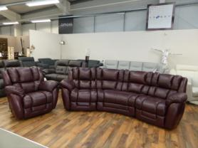LA-Z-BOY AUGUSTA STATIC CORNER WITH ROCKER RECLINER CHAIR IN BORDEAUX